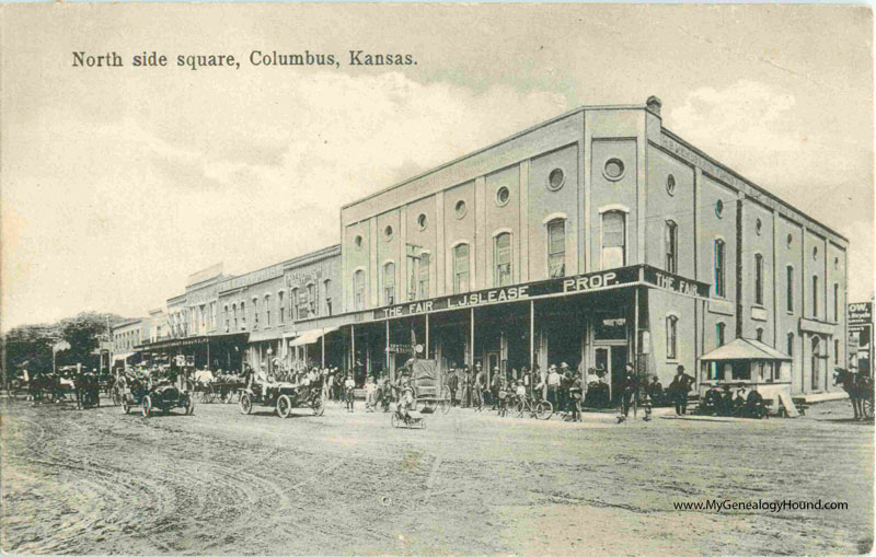 Columbus Kansas North Side Of Square Vintage Postcard